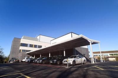 Wexham Park Hospital   Case Study   Shelters   Broxap