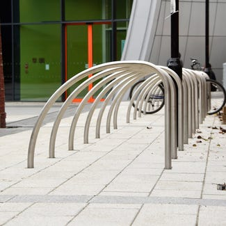 Curve Cycle Stand