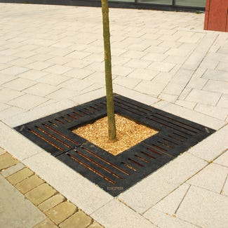 Lateral Square Tree Grille