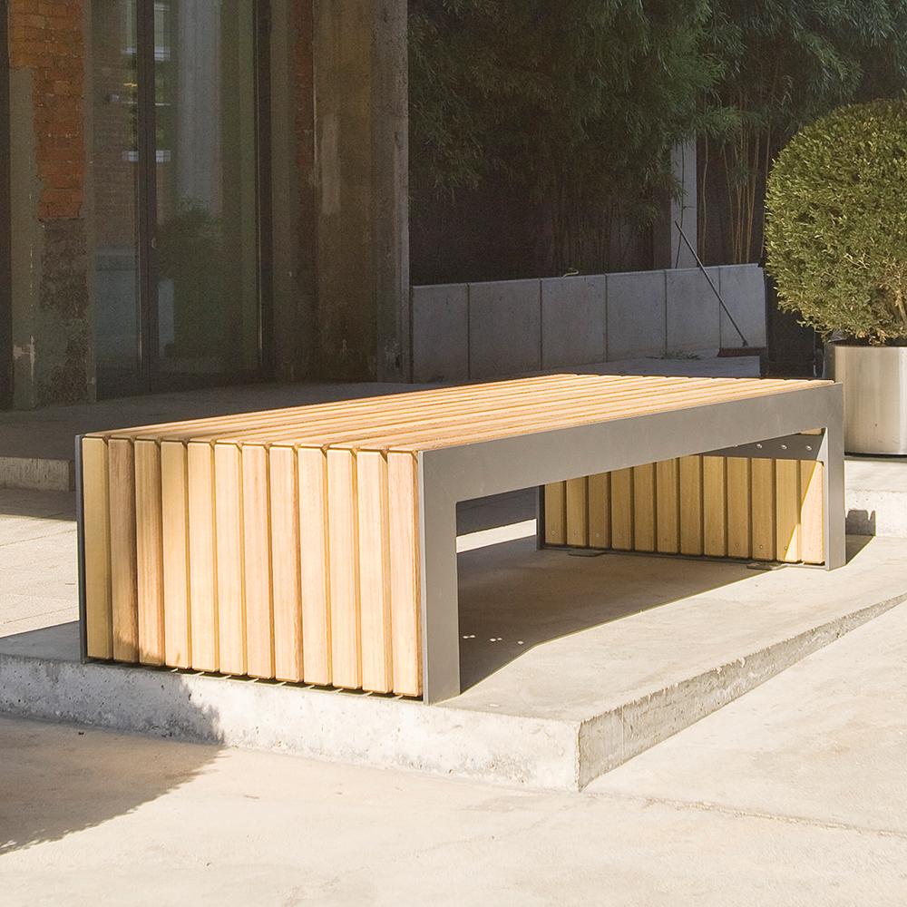 Plaza II Bench