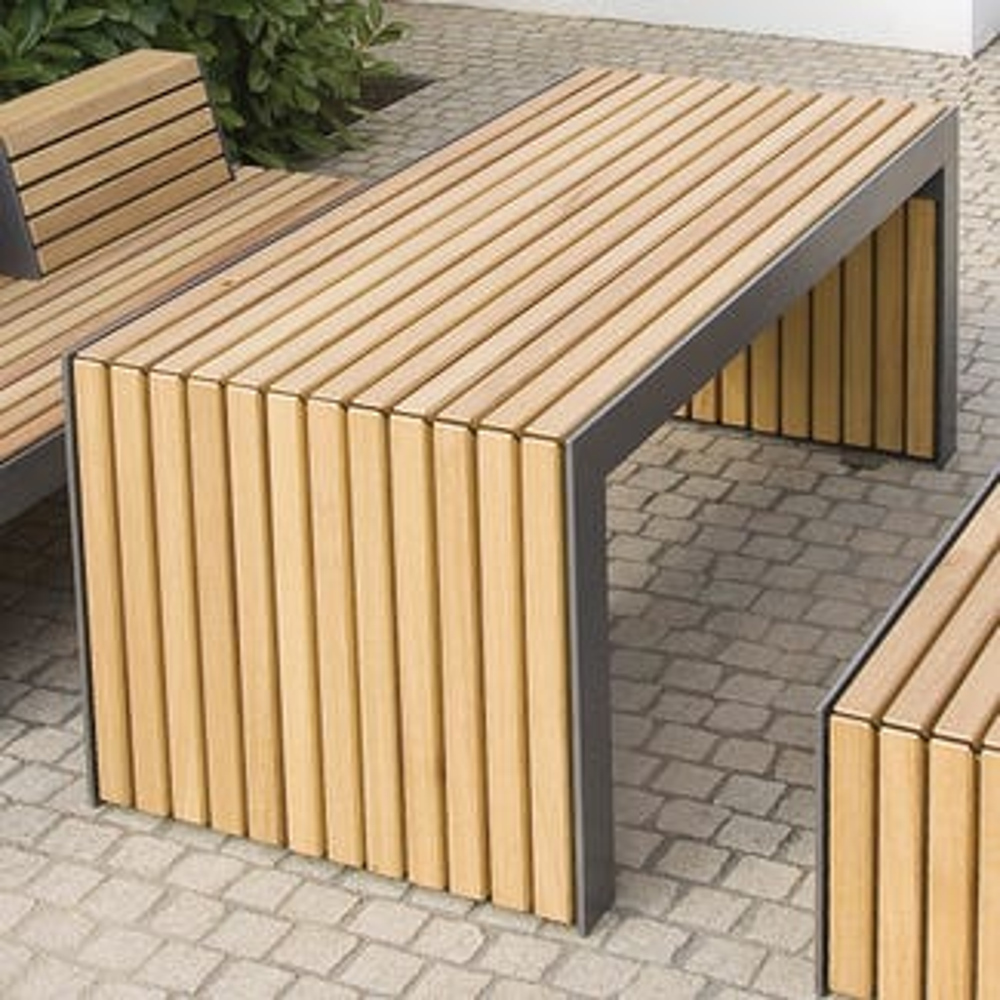 Plaza Table