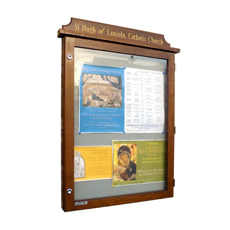 Oak Noticeboard (Displays 9 x A4 Sheets)
