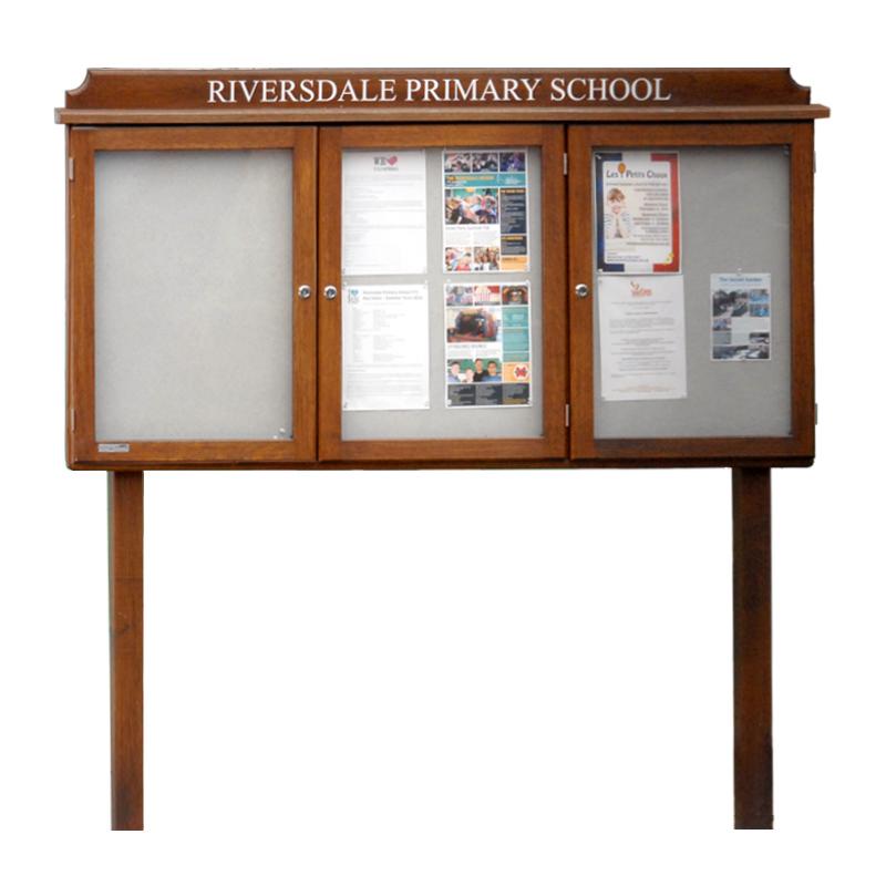 Triple Bay Oak Noticeboard (Displays 12 x A4 Sheets)