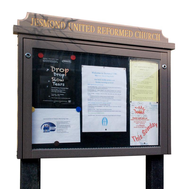 'Man-Made Timber' Noticeboard (Displays 8 x A4 Sheets)