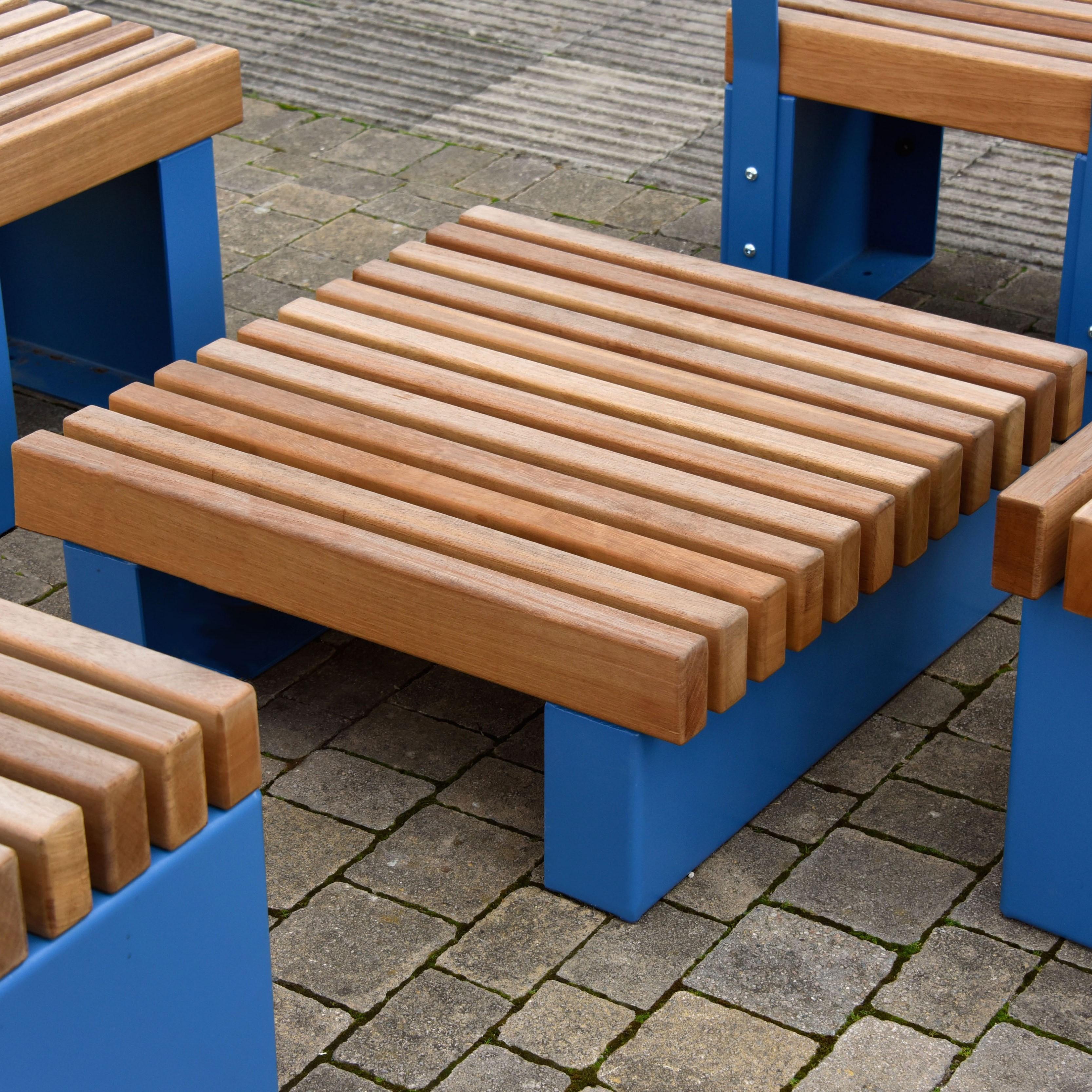 Litchard Table