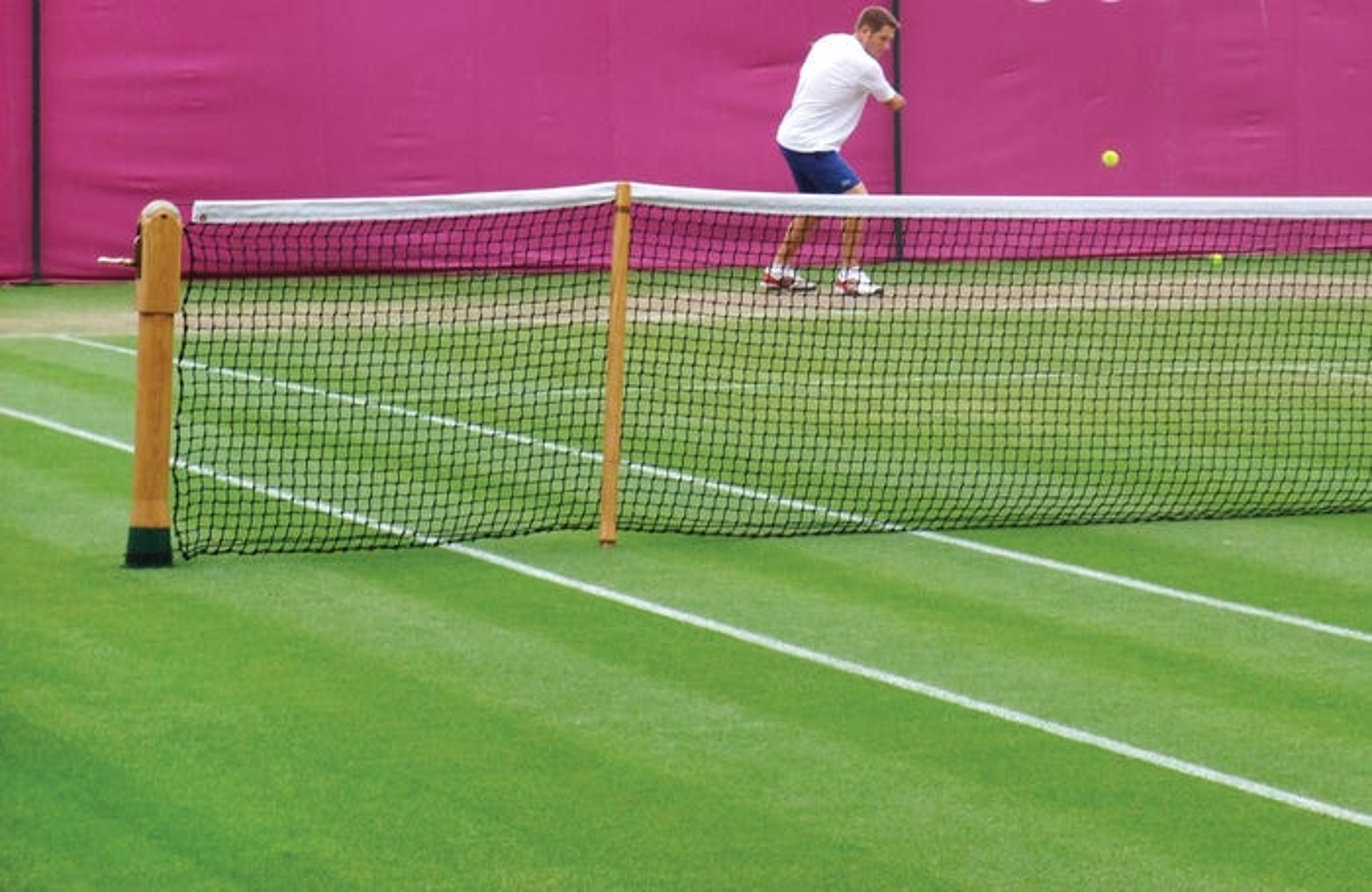 Wimbledon Style Singles Sticks