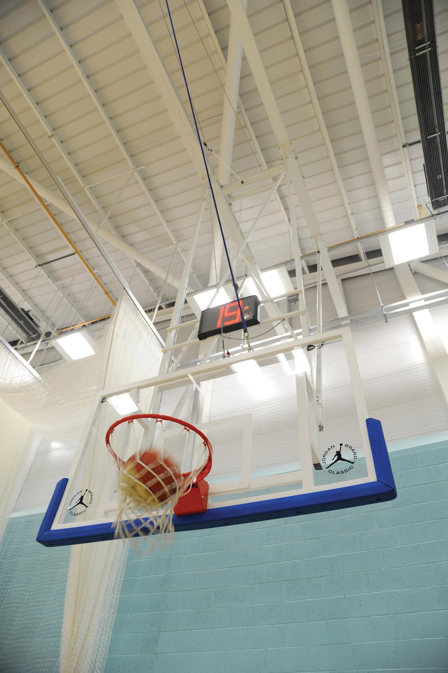 Clear Acrylic Basketball Backboards - (1800mm x 1050mm x 20mm)