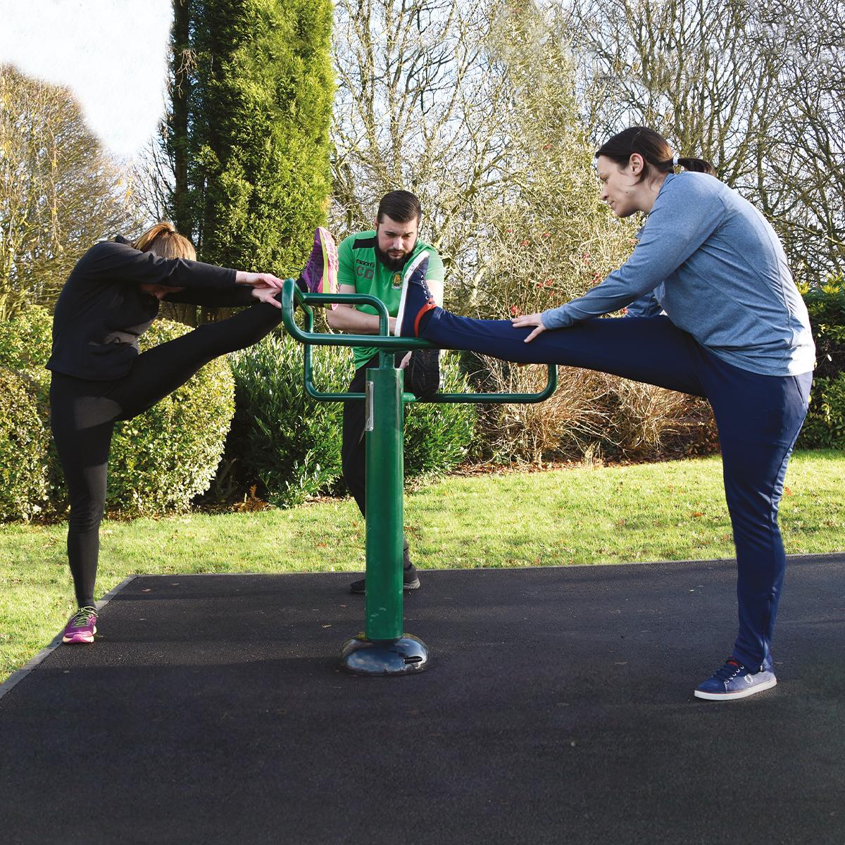 leg stretch   adults outdoor gym equipment