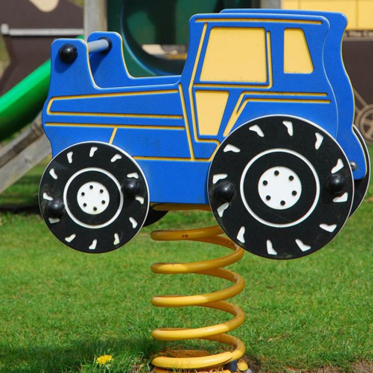Tractor Springy